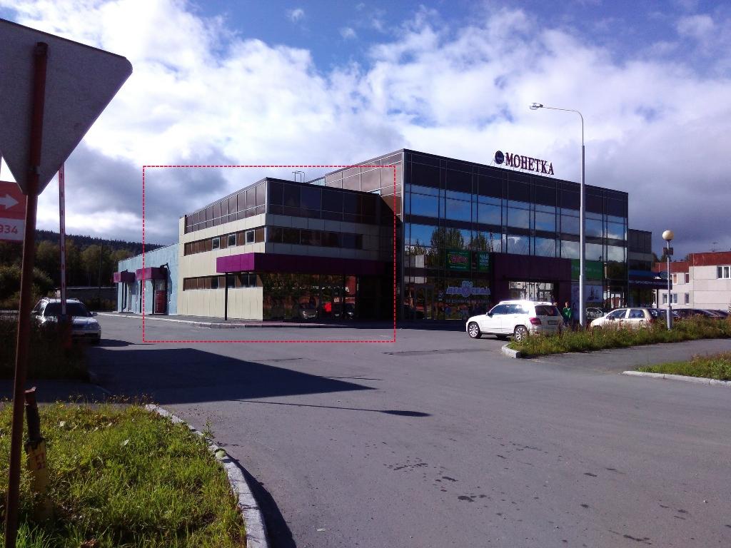 Торговые площади, ул. Корнилова 4